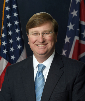 headshot-governor-tate-reeves